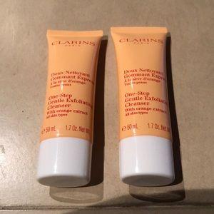 CLARINS One-Step Gentle Exfoliating Cleanser (2)